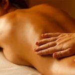 Mithilfe von Tantra-Massagen besserer Sex?